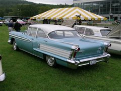 1958 Oldsmobile Super 88 Holiday Sedan